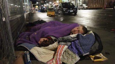Унгарија им забрани на бездомниците да спијат на улица