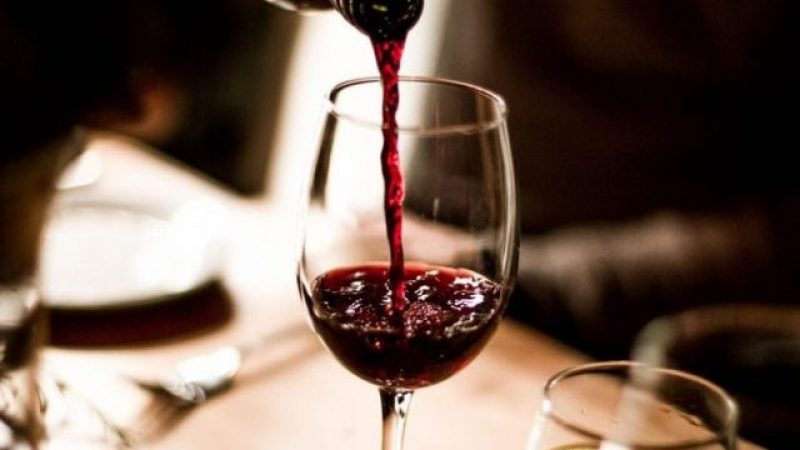 Вино старо два милениуми пронајдено во гробница