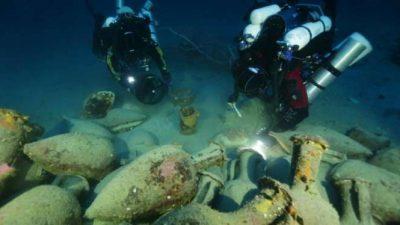 Ловци на богатство трагаат по потопени антички бродови во Албанија