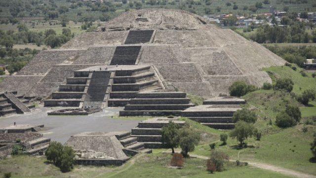 Pyramid-of-the-Moon-e1541156280714-640x427.jpg