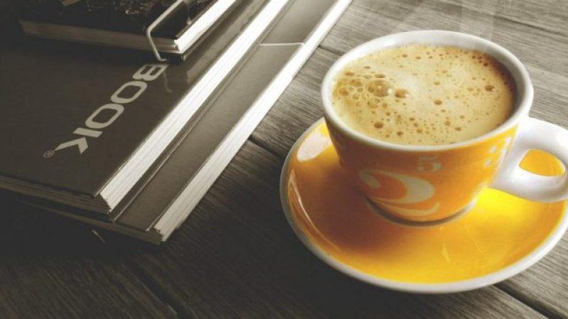 """Студентски рецепт: Подгответе брз """"shake"""" од кафе за """"борба"""" против испитите"""