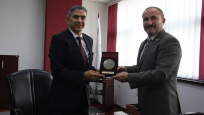 Ректорот на Универзитетот во Тетово, проф. д-р Вулнет Амети во посета на УЈИЕ