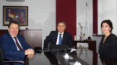Ректорот на Универзитетот св.Кирил и Методиј, проф. д-р. Никола Јанкуловски заедно со Проректорката за наука, проф. д-р.Билјана Ангелова го посетија Универзитетот