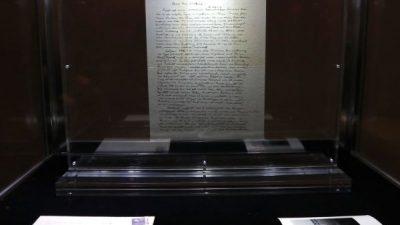 Писмото на Ајнштајн, во кое го негира постоењето на Бог продадено за 2,9 милиони долари