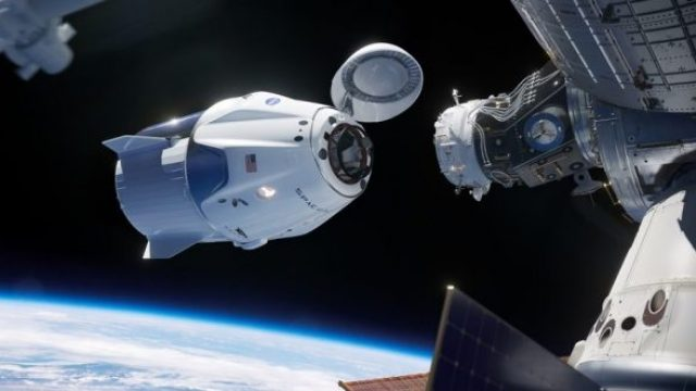 crewdragon-docking-879x485-e1551263430566.jpg