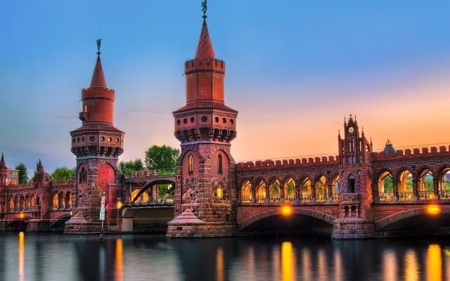 germany-berlin-city-bridge-river-lights-night-1080P-wallpaper-middle-size.jpg