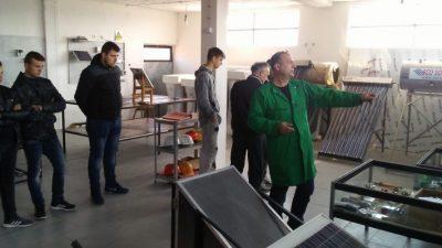 """""""Солар Македонија"""" одржа практична настава за соларни системи во средното техничко училиште од Штип"""