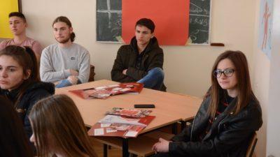 """Меѓународен Славјански Универзитет """"Г. Р. Державин"""" на презентација на своите наставни програми пред матурантите од Валандово и Гевгелија"""