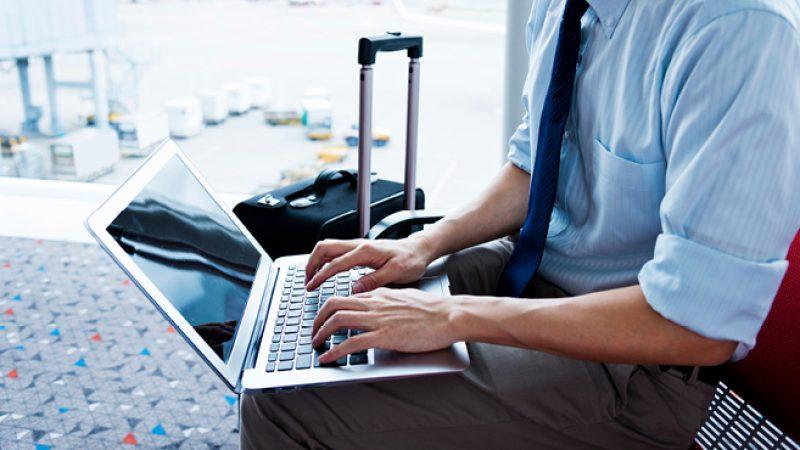 Како да останете продуктивни додека патувате?