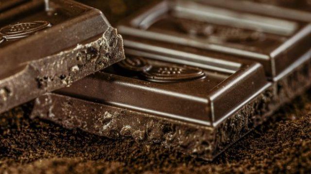 Chocolate-Dark-Chocolate-968457-e1555591774205.jpg