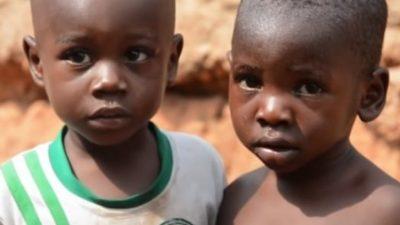 """Во овој град живеат само близнаци: Се раѓаат само """"двојни деца"""", а научниците сметаат дека ја откриле причината за тоа"""