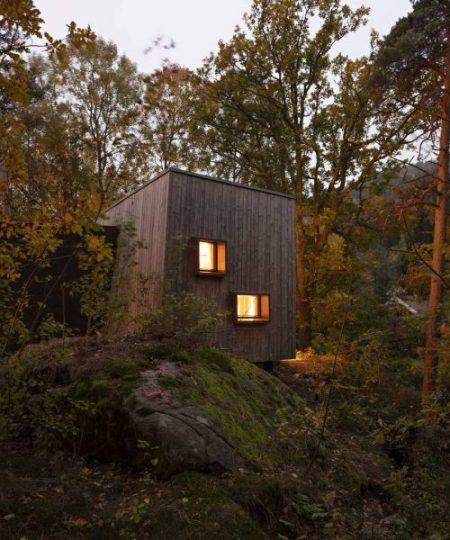 wood-cabin-e1555253785197.jpg