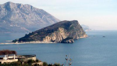 Будва ќе ги казнува туристите кои се однесуваат непримерно со казни до 700 евра