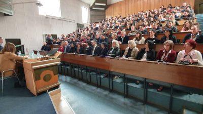 Францускиот амбасадор во посета на економскиот факултет