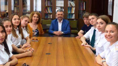 Средба на студентите од Царинската академија на Руската Федерација со Ректорот на УКЛО