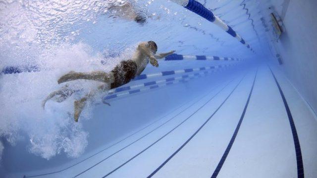 swimming_1559897384-768x512.jpg