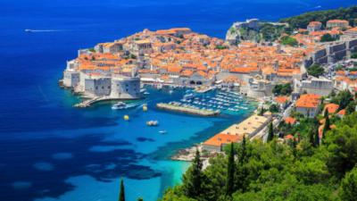 Дубровник може да биде првиот хрватски град во кој се возат само електрични такси
