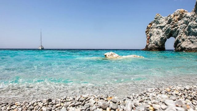 9qePE-lalaria-beach-skiathos-island.jpg