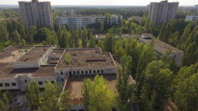 Во градот на духови сепак има живи луѓе: Тие одбиле да ги напуштат своите домови во Чернобил