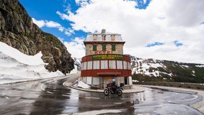 Швајцарија остана без 500 глечери