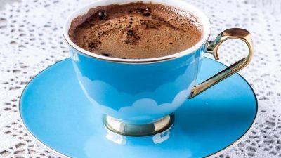 Не го фрлајте талогот од кафе: Може да ви послужи на многу начини