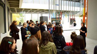 Средношколците и студентите со голем интерес за изложбата во МСУ