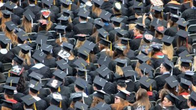 14.000 помалку студенти за 19 години – Бројот на студенти опаѓа, а на факултети расте