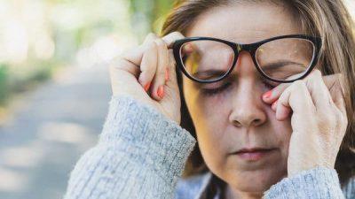 Како да престанете да го допирате лицето во време на зарази