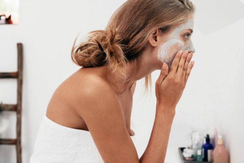 4-maski-za-lice-so-letno-ovoshje-ischistete-ja-kozata-i-vratete-go-bleskaviot-izgled.jpg
