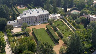 Најбогатиот човек на планетата живее тука: Ѕирнете во имотот вреден 195 милиони долари! (ВИДЕО)