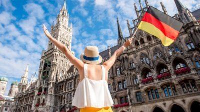 СТУДИЈА: Девојките во Германија учеле повеќе за време на пандеммијата