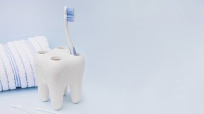 Ја менувате ли често четката за заби? Таа е извор на огромен број бактерии!