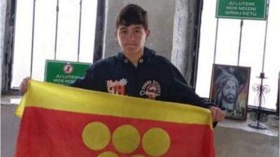 МЛАД ПЛАНИНАР ОСВОЈУВА ВРВОВИ: Ване Бошев (13) по втор пат и во невреме го искачи Мали Томор во Албанија