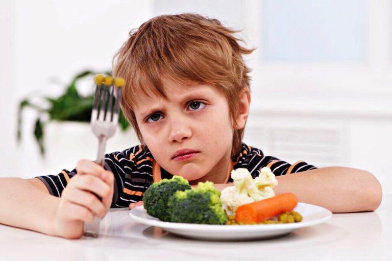 Ne-lutete-im-se-na-decata-Vrodeno-im-e-da-ne-sakaat-zelena-hrana.jpg