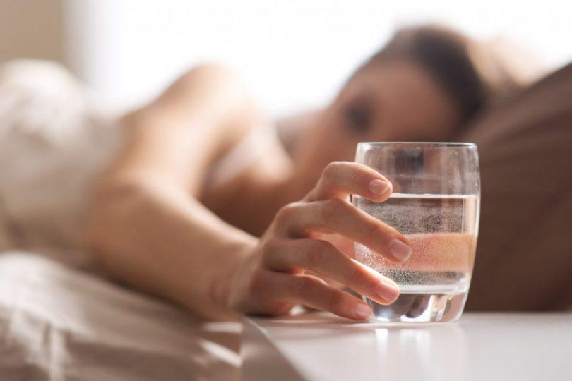 Ne-piete-voda-shtom-otvorite-ochi-Promenete-ja-taa-navika-i-oslobodete-se-od-ovie-5-tegobi-bez-lekovi.jpg