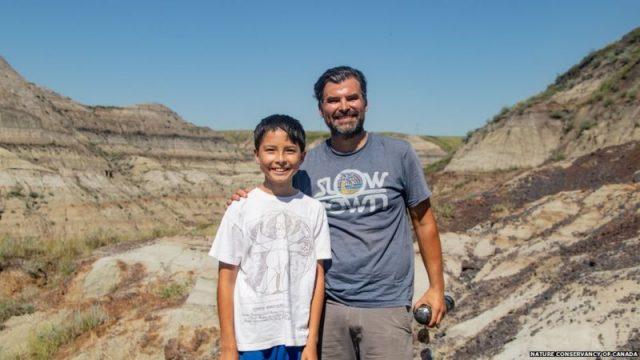 Amatersko-istrazuvanje-Dete-pronajde-redok-skelet-na-dinosaurus-vo-Kanada.jpg