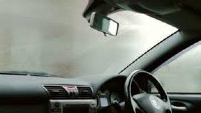 Едноставен трик со кој никогаш нема да ви се замаглува стаклото во кола (ВИДЕО)