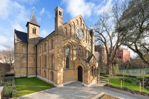 FOTO-Nekogash-bila-crkva-a-sega-e-vistinski-luksuzen-dom-poglednete-kako-izgleda-novoto-zivealishte-vredno-16-milioni-evra.png