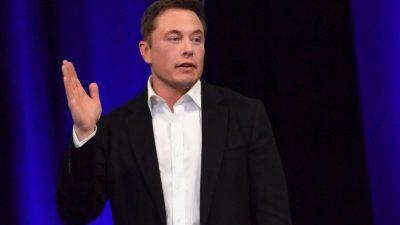 Маск сака да ја намали цената на вселенскиот лет на два милиони долари