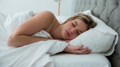 Многумина спијат во оваа положба, но таа е убедливо најлоша – еве што сè може да предизвика