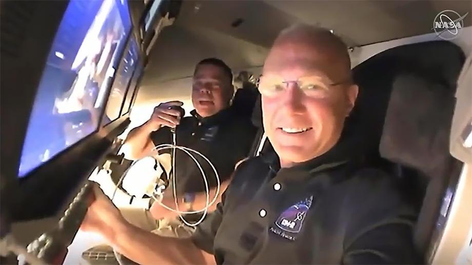 NASA-Kapsulata-na-Spejs-Iks-so-4-astronauti-pristigna-na-MVS.jpg