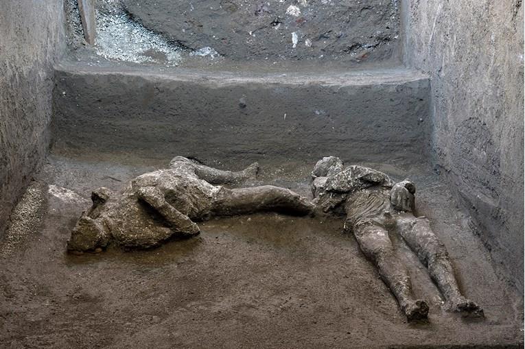 Vo-Pompeja-najdeni-zachuvani-tela-od-zaginati-vo-erupcijata-vo-79-godina.jpg
