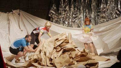 """ТЕАТАР ЗА ДЕЦА И МЛАДИНЦИ: Вечер премиера на претставата за бебиња """"Облак во мала кутија"""""""