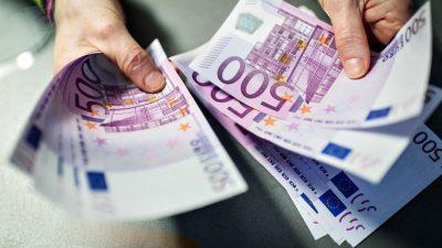 Во половна комода пронашол 25.000 евра, неговиот потег ќе ве остави без зборови