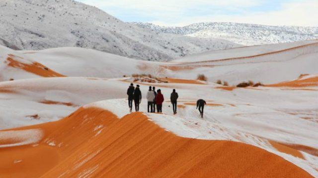 video-SNEG-I-VO-SAHARA-Saudijcite-ja-fotografira-atrakcijata-kade-temperaturata-ne-padnala-pod-nulata-polovina-vek.jpg