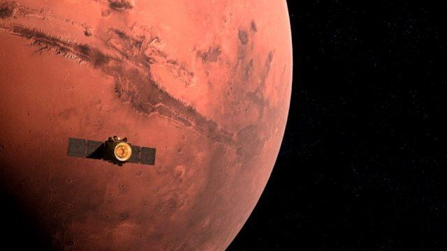 Crvenata-planeta-Kineskiot-vselenski-brod-vleze-vo-orbitata-na-Mars.jpg