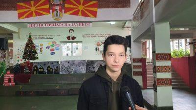 СВЕТСКИ НАТПРЕВАР: Павел Милановски од Куманово победи на глобалниот натпревар на ФАО за постер