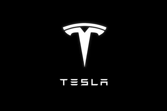 Elektromobilite-Tesla-kje-moze-da-se-plakjaat-i-so-bitkoini.jpg