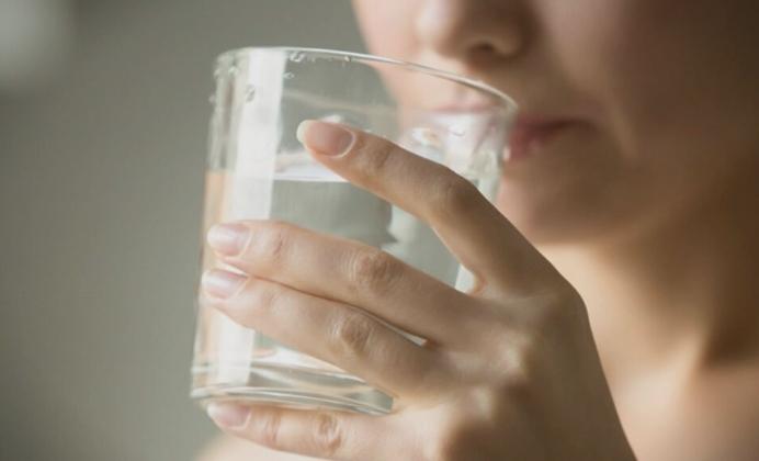 Na-vasheto-telo-mu-se-potrebni-voda-i-magnezium-no-ova-mora-da-go-znaete.jpg